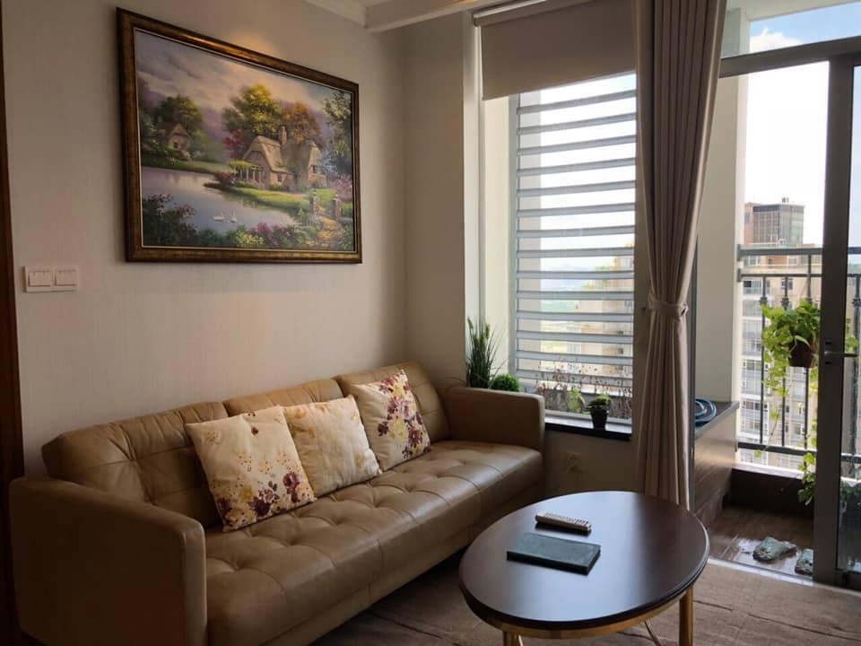 Cho thuê căn hộ 2PN C2 Vinhomes Central Park, có bồn tắm nằm