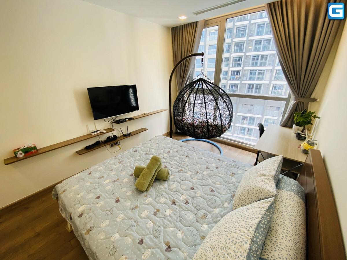 Cho thuê căn hộ Vinhomes Central Park 2PN, tháp Park 2, đầy đủ nội thất, view nội khu