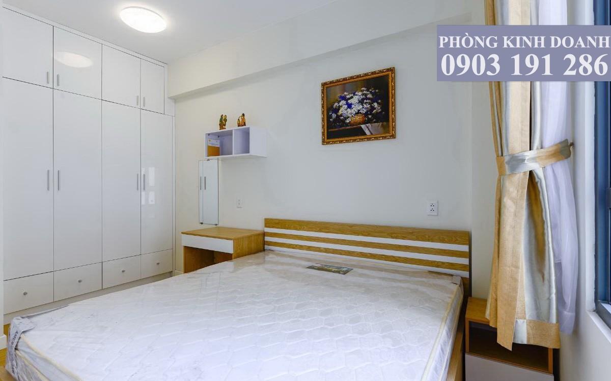 Căn hộ Masteri Thảo Điền cho thuê 1 phòng ngủ lầu 12 toà T2 nội thất view hồ bơi nội khu 620 USD/tháng