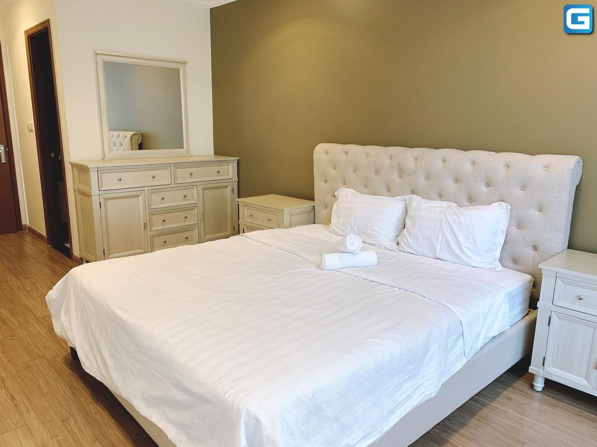 Cho thuê căn hộ Vinhomes Central Park 2PN, tháp Landmark 2, đầy đủ nội thất, view L81