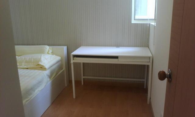 Căn hộ Saigon Pearl cho thuê 2 phòng ngủ tầng 12 tháp Sapphire 1 có nội thất view sông