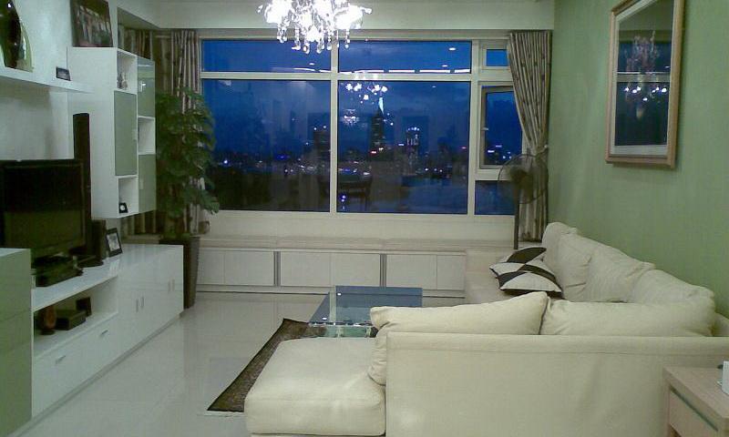 Cho thuê Saigon Pearl 4 phòng ngủ lầu 19 tháp Topaz 1 nội thất full view sông