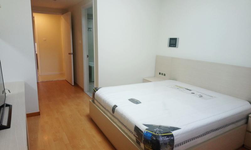 Căn hộ Saigon Pearl cho thuê 2 phòng ngủ lầu 27 toà Sapphire 1 nội thất đẹp view sông