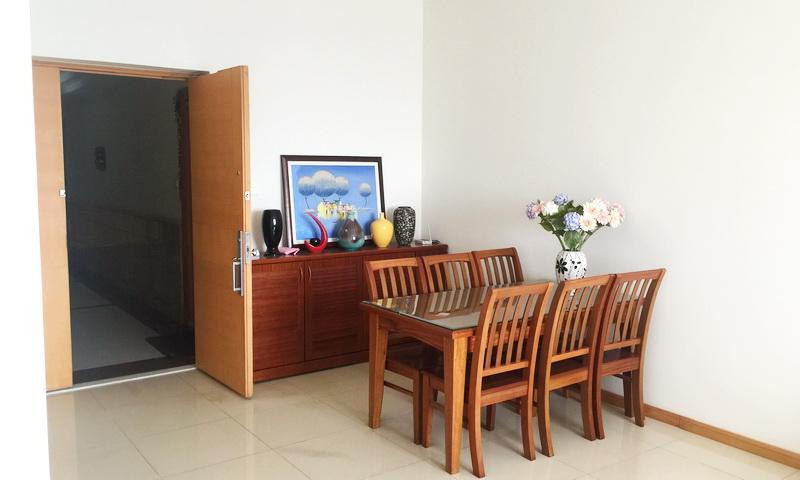 Căn hộ Saigon Pearl cho thuê 2 phòng ngủ tầng 33 toà Sapphire 1 full nội thất view sông