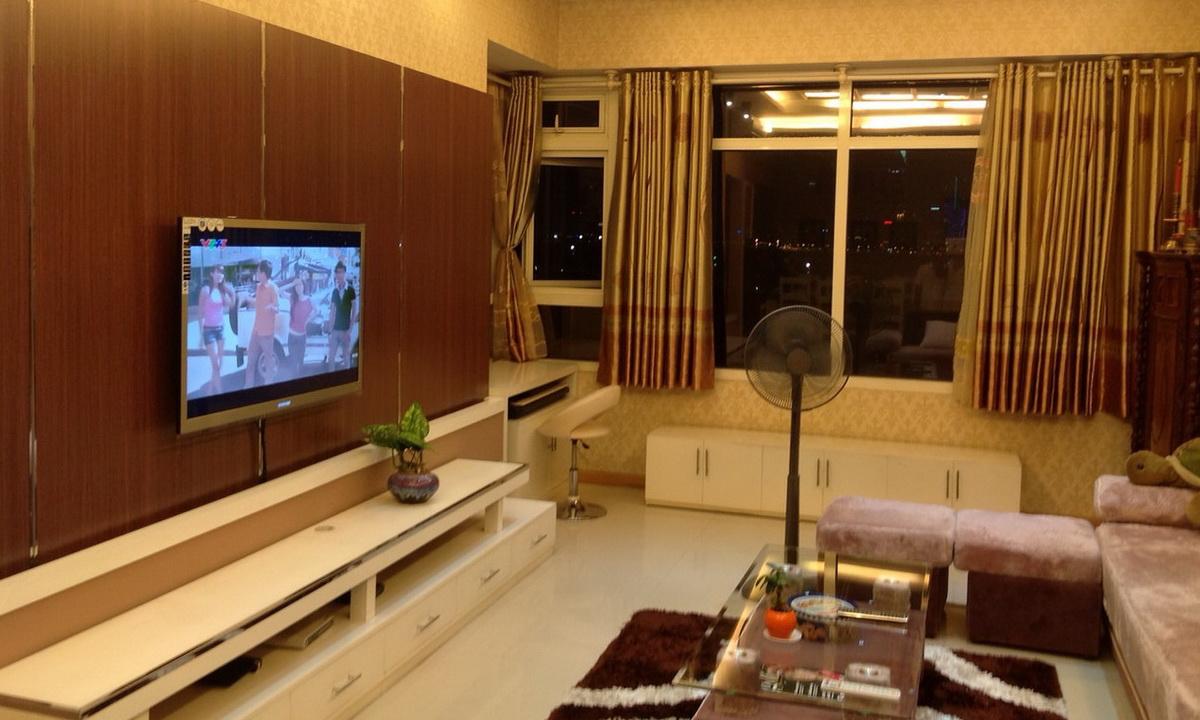 Cho thuê Saigon Pearl 4 phòng ngủ lầu 6 tháp Topaz 1 có nội thất view sông