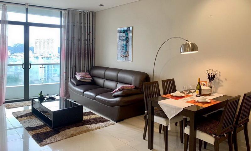 Cho thuê căn City Garden lầu 9 block B2 nội thất cao cấp view hồ bơi 1 phòng ngủ