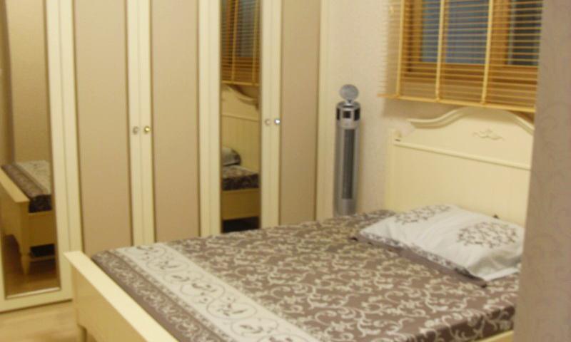 Căn hộ Cantavil Hoàn Cầu cho thuê view thoáng 3 phòng ngủ lầu 16 nội thất full