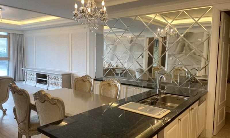 Cho thuê căn hộ Cantavil Hoàn Cầu view hồ 3 phòng ngủ tầng 3 full nội thất