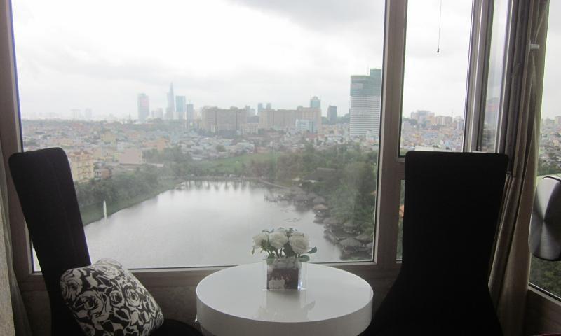 Cho thuê căn hộ Cantavil Hoàn Cầu view hồ 3 phòng ngủ lầu 11 nội thất đầy đủ